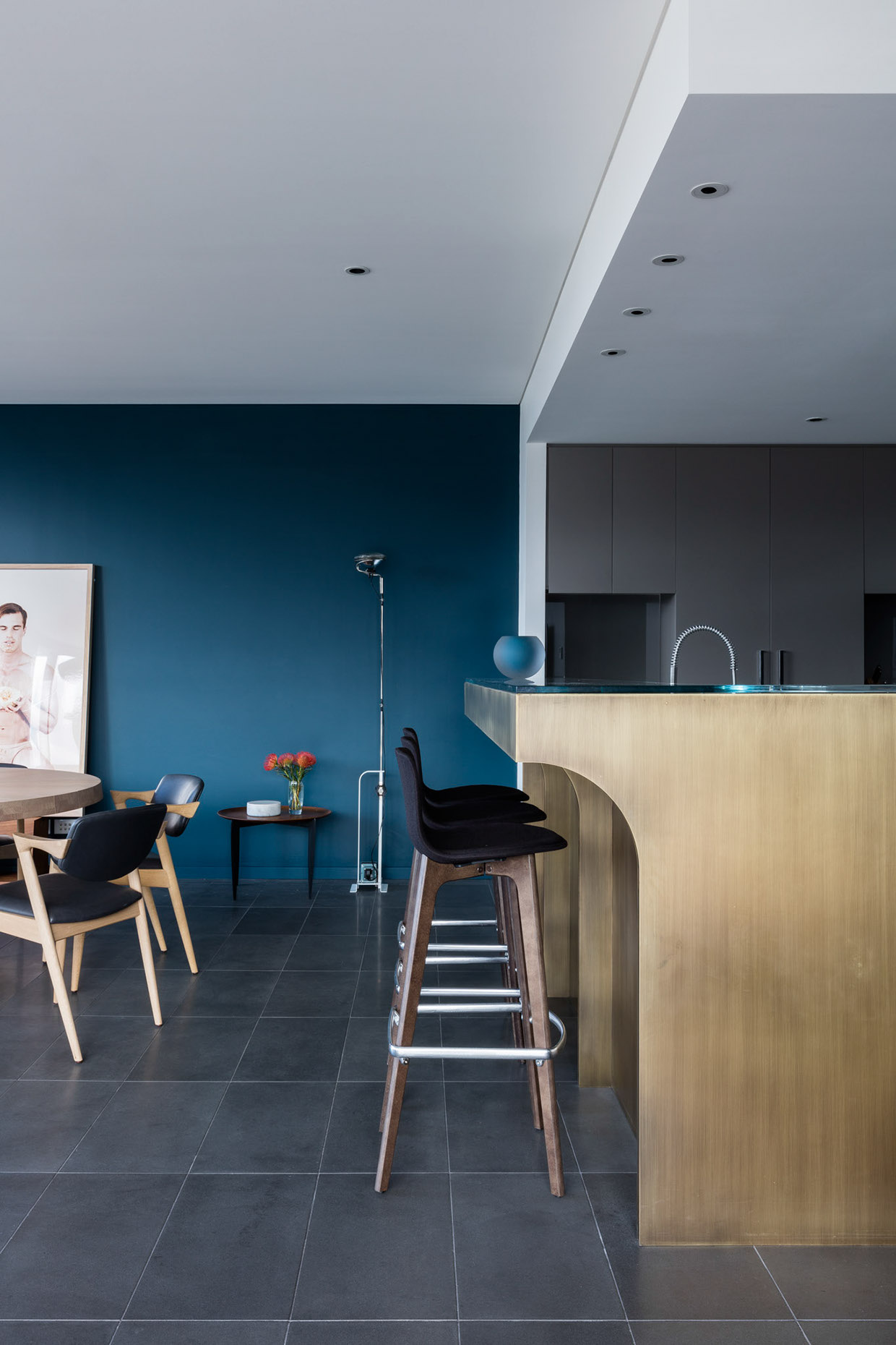 Beautiful Apartment Interior Design Sydney Point With Decor