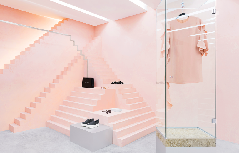 Novelty is a fashion clothing boutique designed by Anagrama branding design studio using pink tones and geometrical shapes for the space with new style for the brand's interior design.